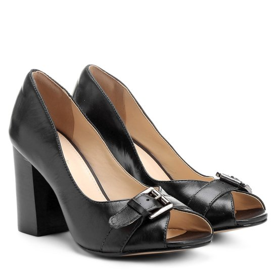 Peep Toe Couro Shoestock Salto Grosso Vegetal Fivela - Preto