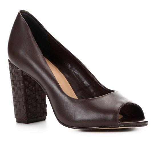 Peep Toe Shoestock Couro Salto Médio Bloco - Marrom