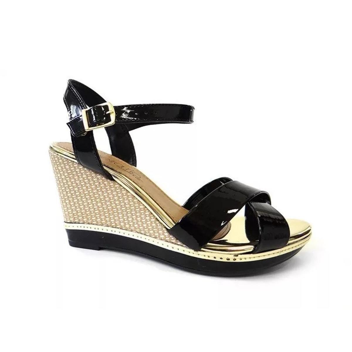 ... Sandália Beira Rio Anabela Verniz Premium - Preto - Compre Agora ...  600507e02af3d5 52205558e8f