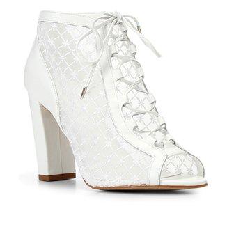 Sandália Couro Shoestock Bride Bordada Feminina