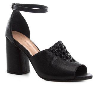 Sandália Couro Shoestock Detalhe Macramê Salto Bloco Feminina