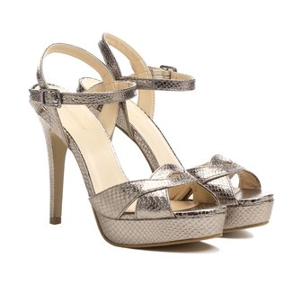 Sandália Couro Shoestock Meia Pata Metalizada Feminina