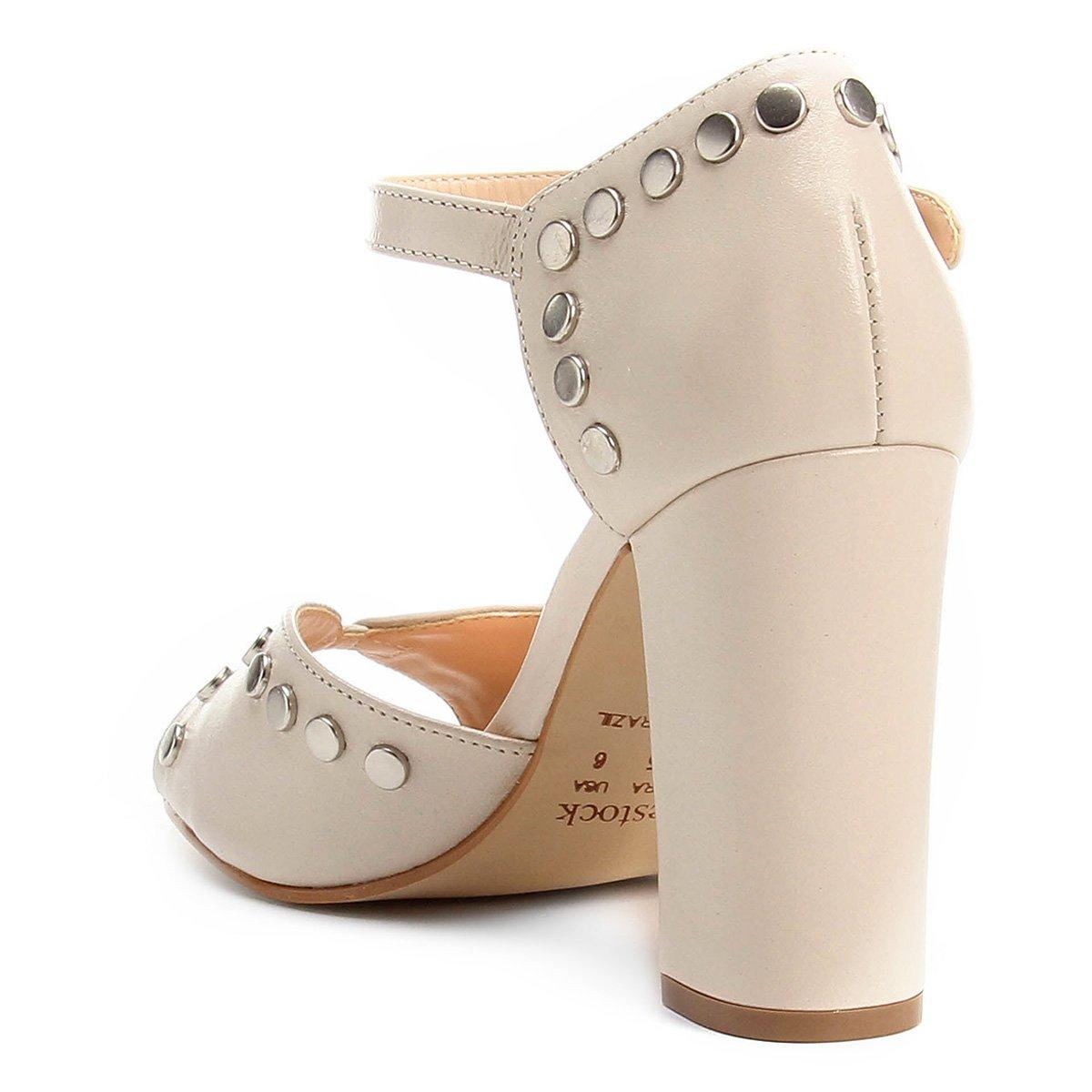 Feminina Sandália Sandália Salto Couro White Shoestock Tachas Grosso Off Couro 5Twa5nO0q
