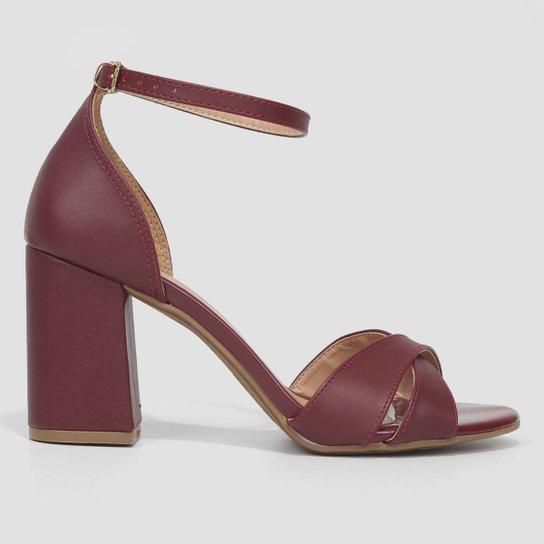Sandália Griffe Salto Grosso Tira Cruzada Feminina - Vermelho Escuro