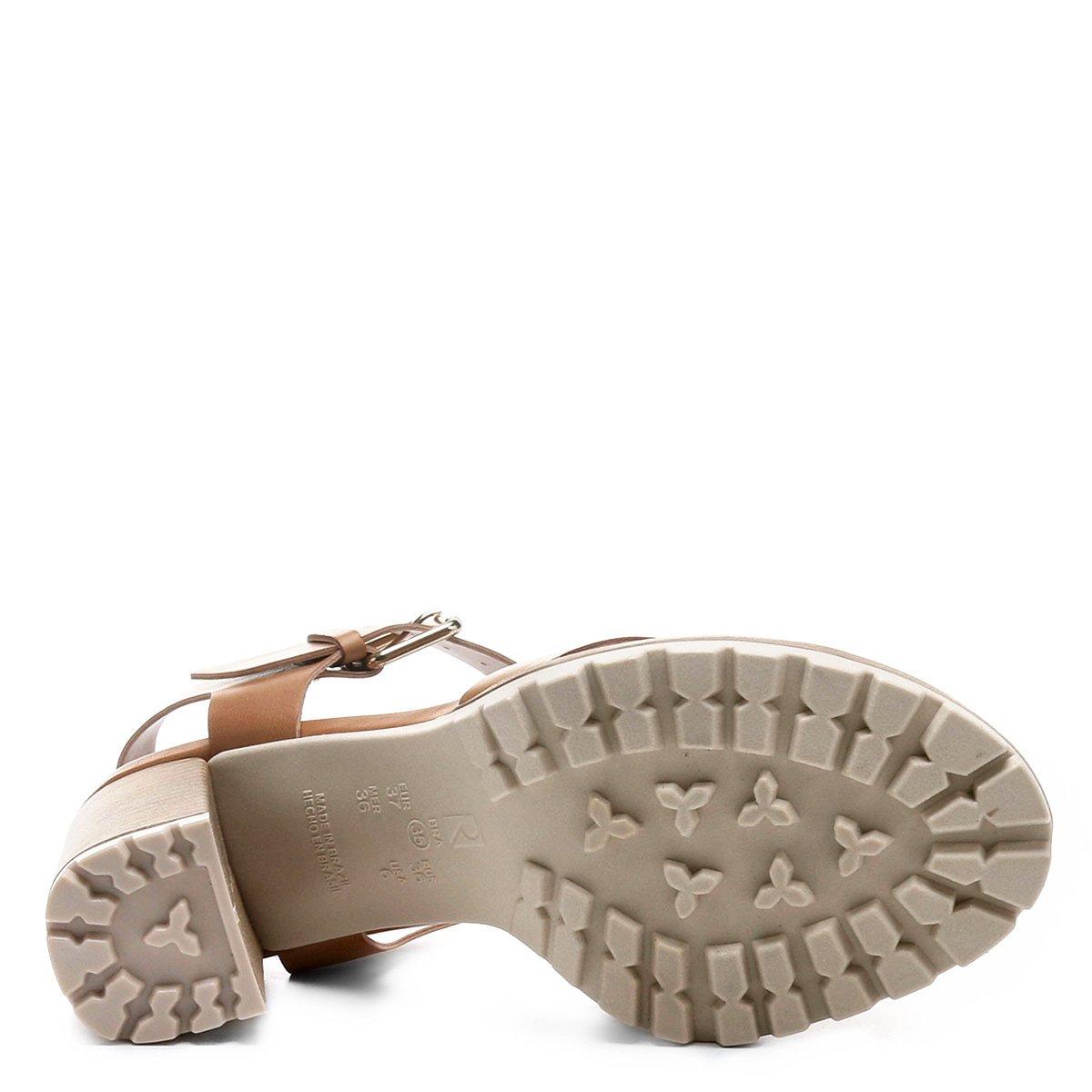 Me exibindo com sandalia alta de salto cristal - 2 part 9