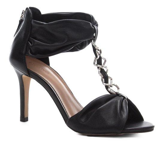 Sandália Shoestock Couro Glam Chain - Preto