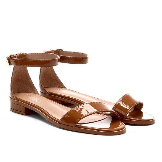 Sandália Shoestock Flat Tira Naked Feminina - Castanha
