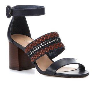 Sandália Shoestock Salto Médio Tiras Handmade