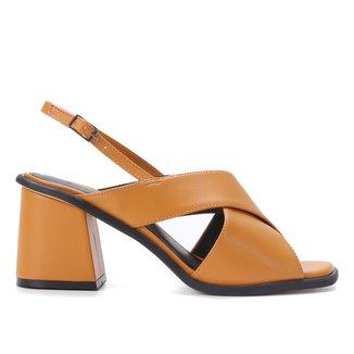 Sandália Shoestock Tiras Cruzadas Salto Bloco Feminina
