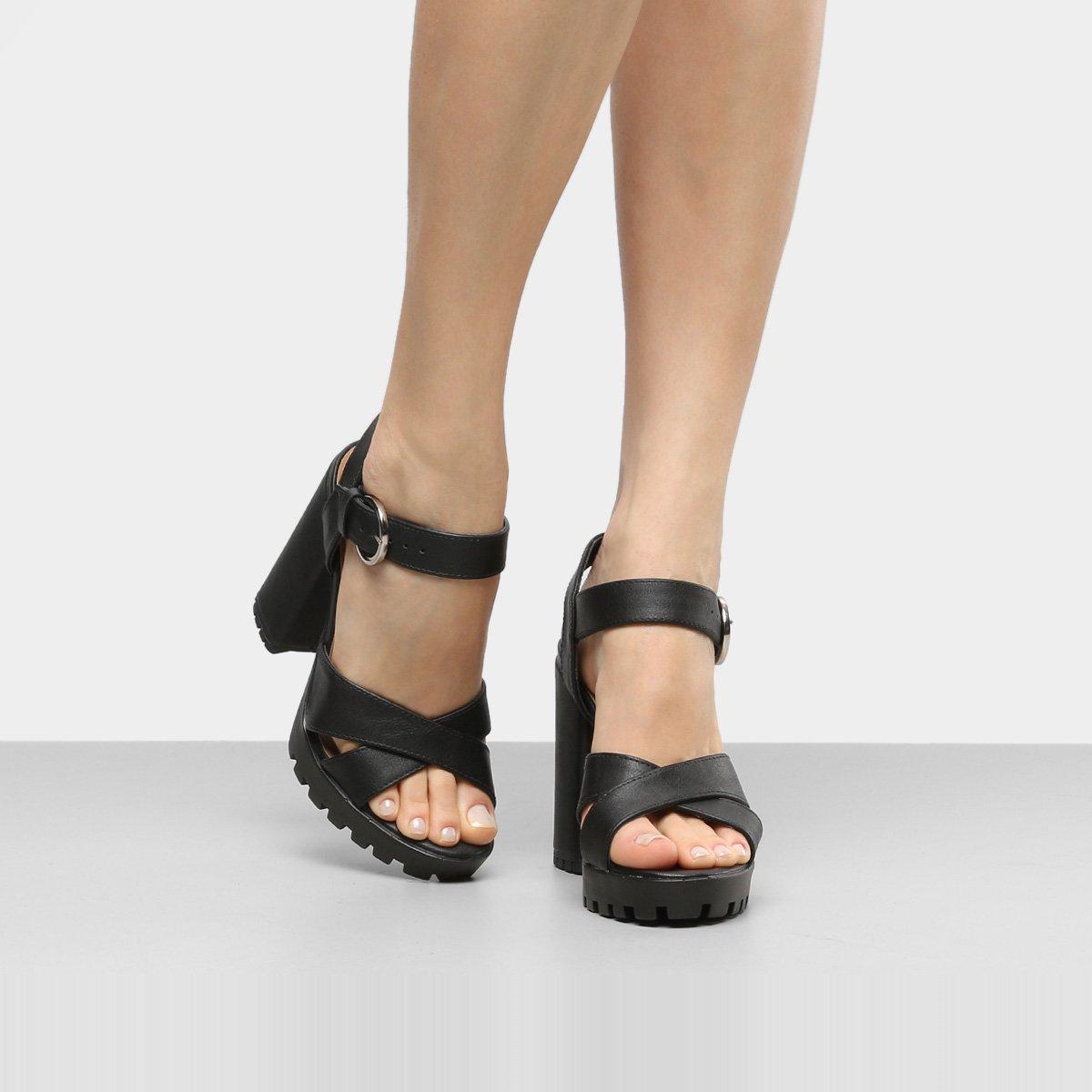 Me exibindo com sandalia alta de salto cristal - 1 6