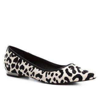 Sapatilha Couro Shoestock Bico Fino Wild Cat Feminina