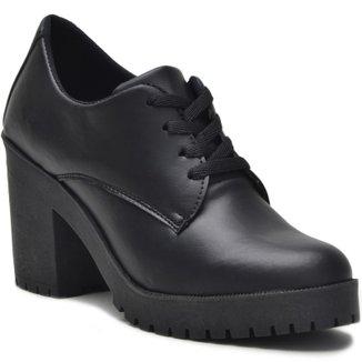 Sapato Ferrarelo Verniz oxford Feminino