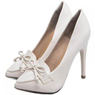 Sapato Scarpin Torricella Verniz Off White
