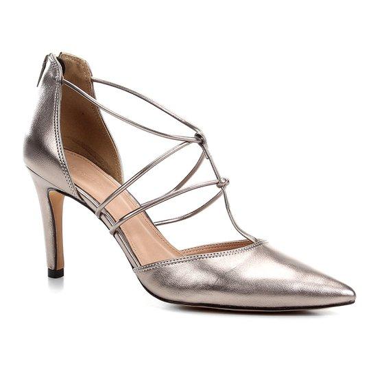 Scarpin Couro Shoestock Salto Alto Barely - Prata