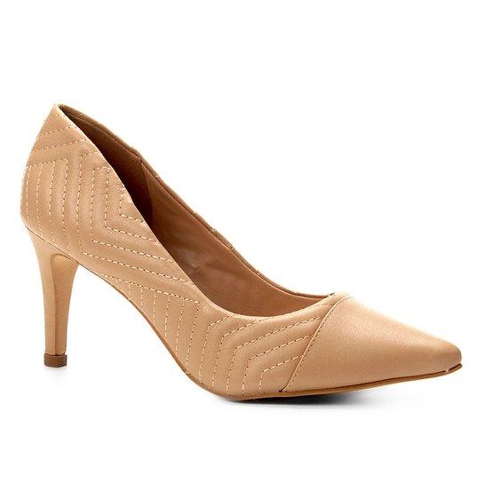 Scarpin Couro Shoestock Salto Alto Matelassê - Bege