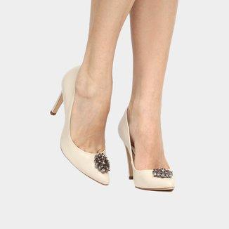 Scarpin Couro Shoestock Salto Alto Pedraria