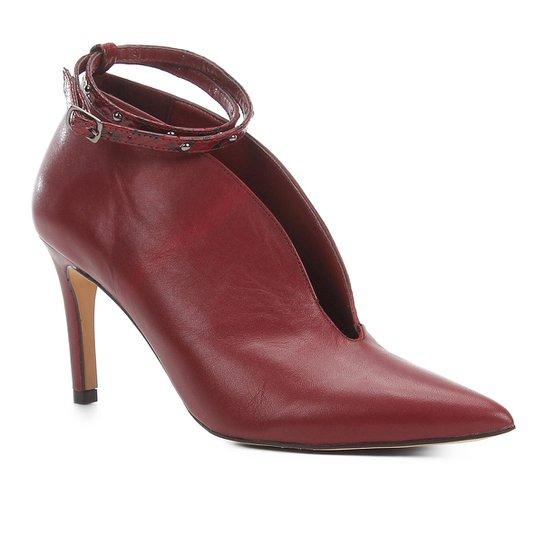 Scarpin Couro Shoestock Salto Alto Recorte Tira - Vinho