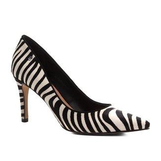 Scarpin Couro Shoestock Salto Alto Wild Cat