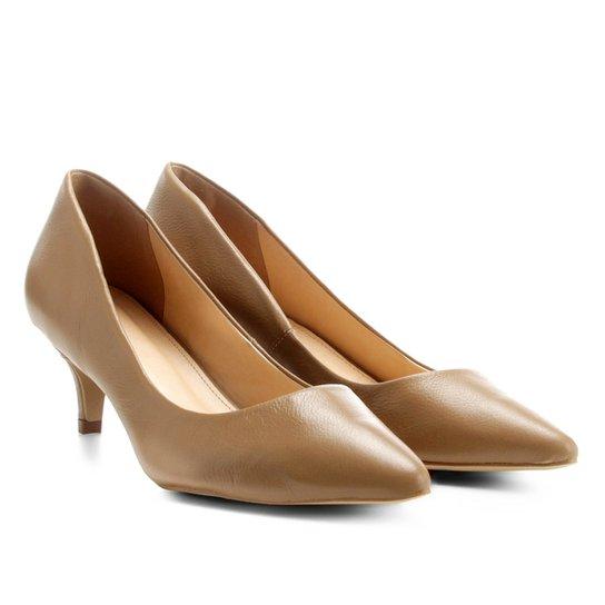 Scarpin Couro Shoestock Salto Baixo - Bege