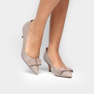 Scarpin Couro Shoestock Salto Médio Bico Fino Laço