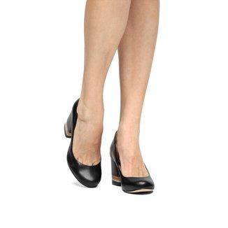 Scarpin Couro Shoestock Salto Médio Fachete