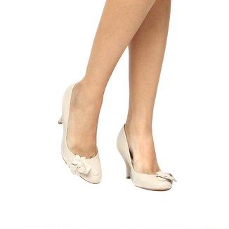 Scarpin Couro Shoestock Salto Médio Flores