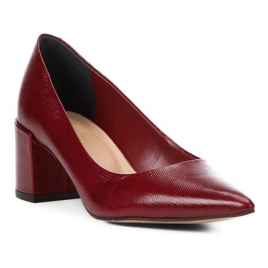 Scarpin Couro Shoestock Salto Médio Lezard - Vinho
