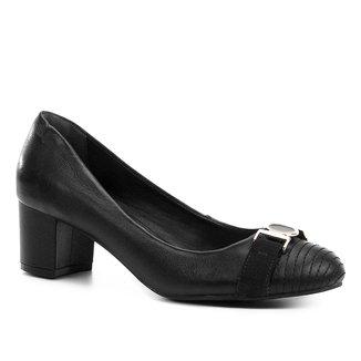 Scarpin Couro Shoestock Salto Médio Medalha