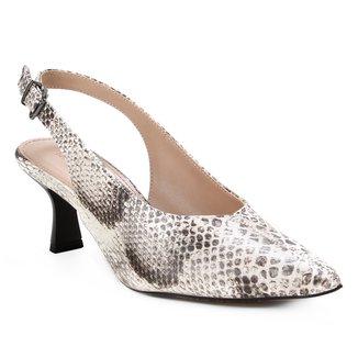 Scarpin Couro Shoestock Slingback Cobra Salto Médio