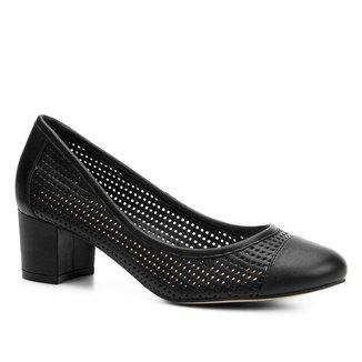 Scarpin Shoestock Salto Baixo Furinhos