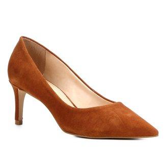 Scarpin Shoestock Salto Médio Camurça
