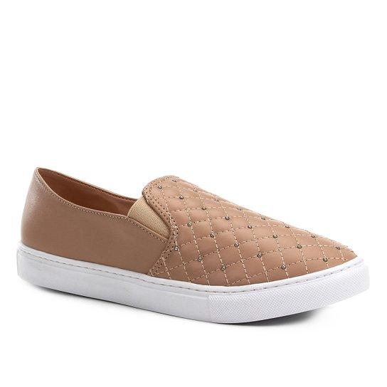 Slip On Couro Shoestock Matelassê Tachas Feminino - Bege