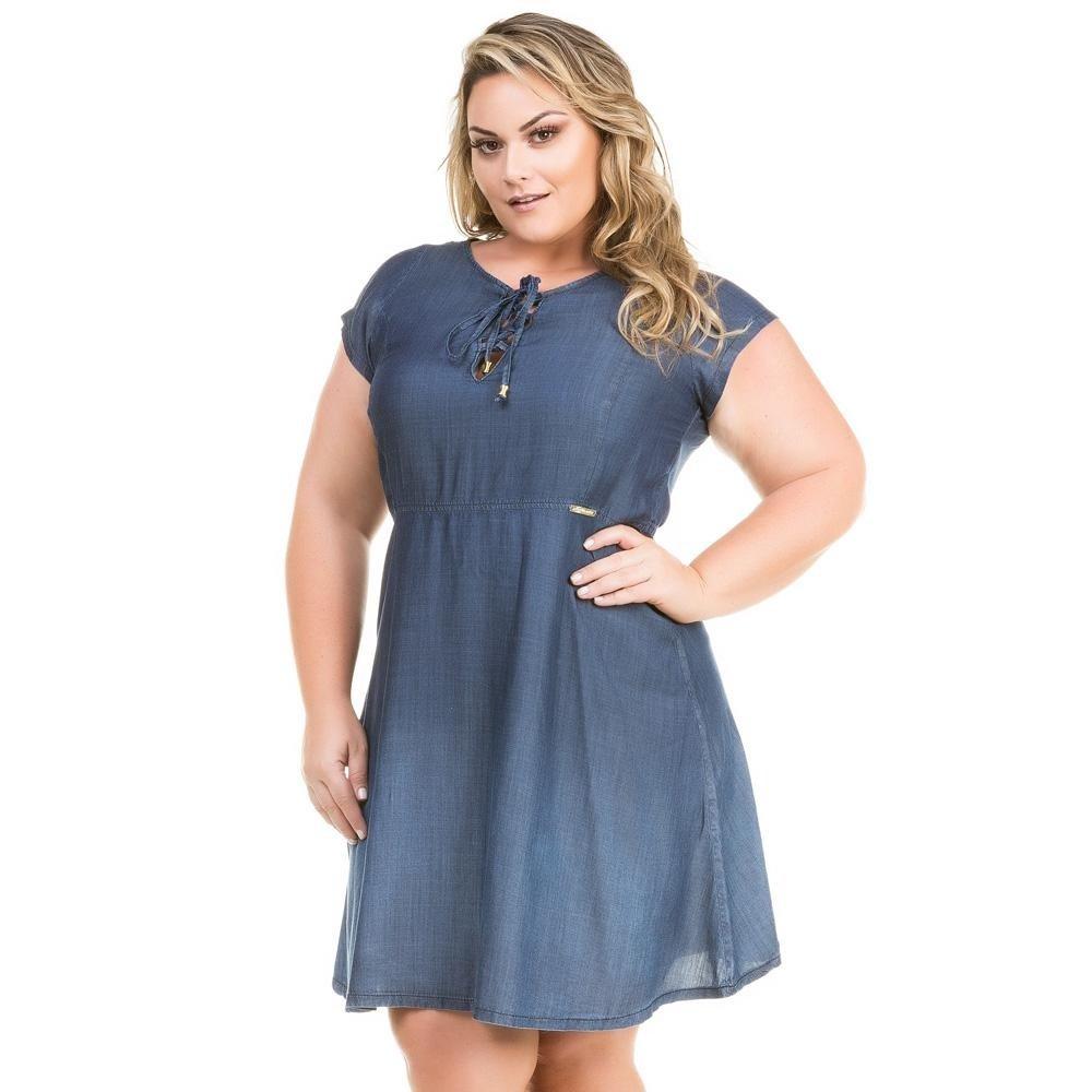 Vestido azul marinho evase