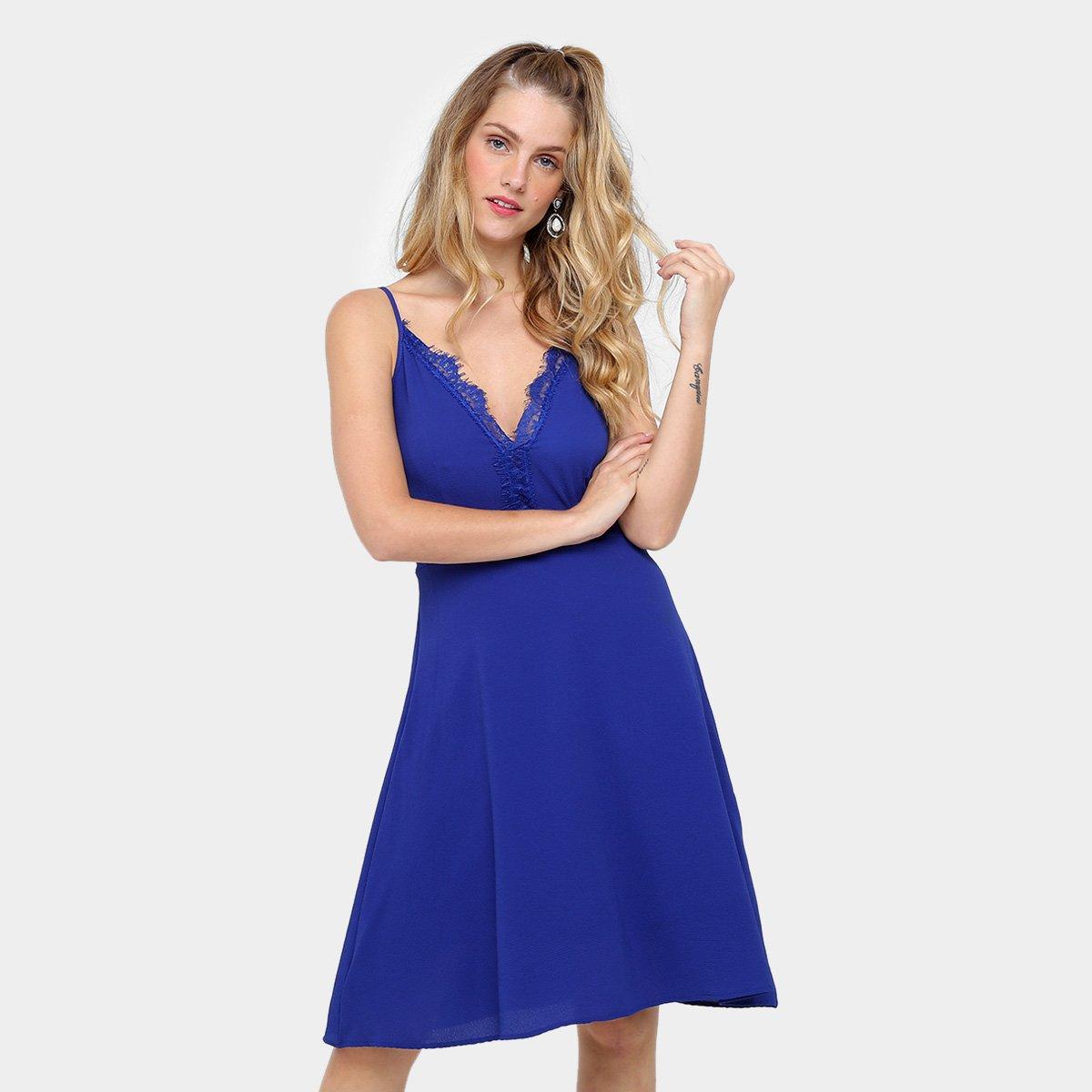 Vestido azul marinho curto com renda