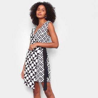 Vestido Lança Perfume Curto Envelope Geométrico